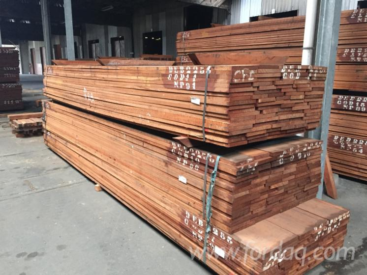 Sapelli sawn timber