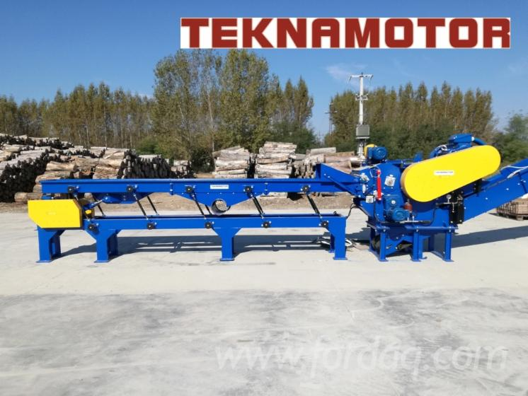 Stationary drum wood chipper