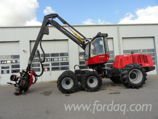Used-Valmet---13200-H-2005-Harvester-in