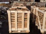 Buy Or Sell  Firewood Woodlogs Cleaved Romania - Hornbeam Firewood/Woodlogs Cleaved 25 mm