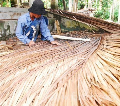 bamboo as an engineering material Don't worry, pandas they're not coming for your food homes and buildings around the world have been built out of bamboo for millennia, but researchers at the university of pittsburgh's swanson school of engineering are working to make the grass the building material of the future in developing countries.