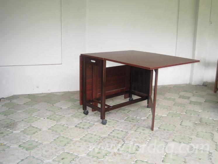 Ensemble table et chaises pour salle manger contemporain pi ces ponctuellement - Ensemble tafel et chaise salle a trog ...