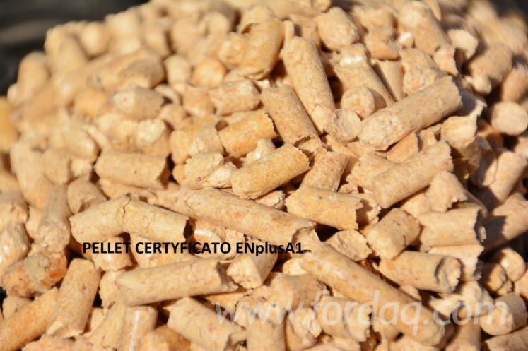 Wood pellet enplusa