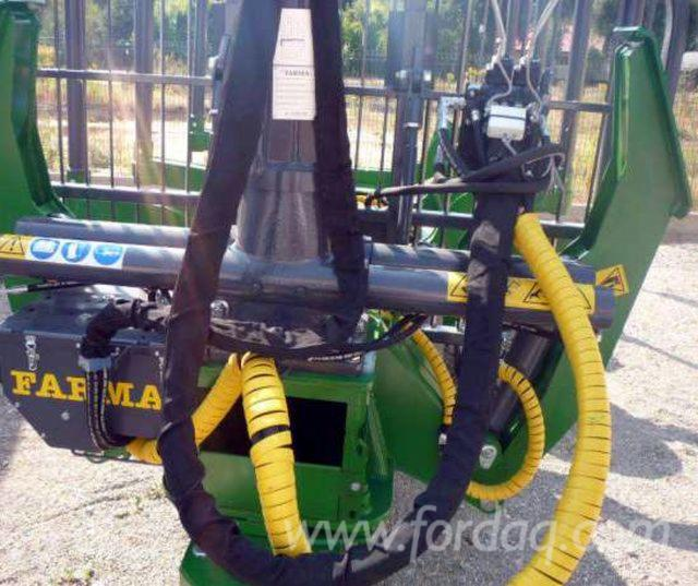 FARMA-2015--Forestry-trailer-crane