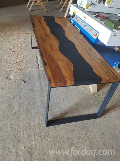 Design-Oak-Restaurant-Terrasse-Tables-SIBIU