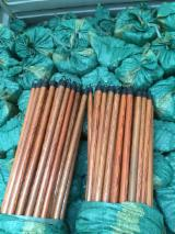 Tool handles or sticks  - Fordaq Online pazar - Broom Handles And Other Utility Sticks