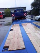 Servicii Comerciale Pentru Industria Lemnului - Platforme auto ,trailere,executie si montaj podele lemn esenta tare