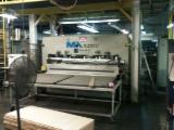 null - Vand Presa (Automata Pentru Furniruit Suprafete Plane) ORMA MACCHINE PCC 2.500 X 1.600 Folosit Spania
