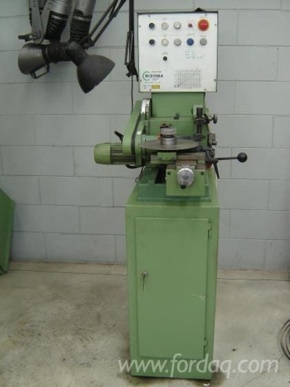 Grinding-machine-for-HSS-blades-for