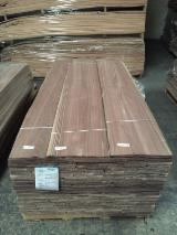 Walnut  Flat Cut, Plain Natural Veneer Turkey
