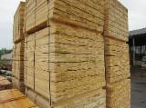 Laubholz  Blockware, Unbesäumtes Holz Zu Verkaufen Lettland - Loseware, Birke