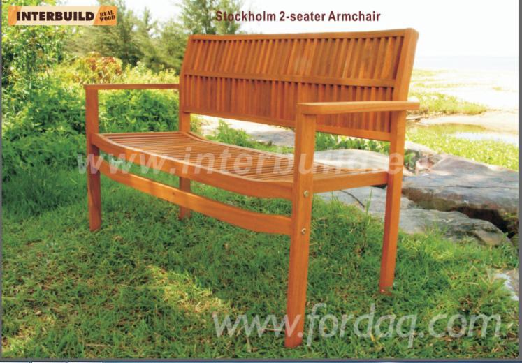 Vendez chaises de jardin design bois massif feuillus for Massif jardin design