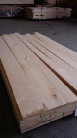 Laubschnittholz, Besäumtes Holz, Hobelware  Zu Verkaufen Spanien - Edelkastanien Holzbohlen