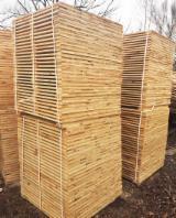 Nadelschnittholz, Besäumtes Holz Lärche Larix Spp. - Bretter, Dielen, Nadelholz