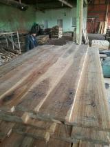 Hrast -oak lumber