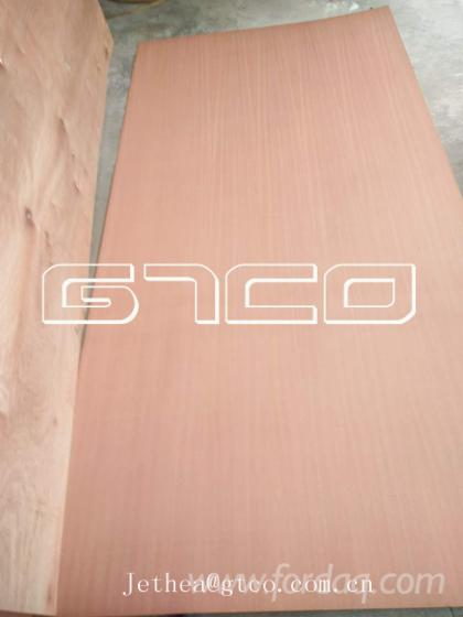 Sapelli-plywood