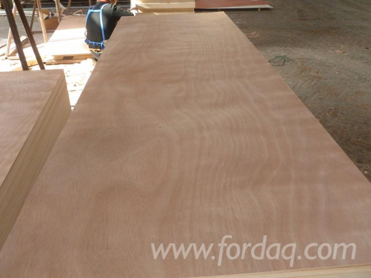 Door-size-okoume-plywood-from-professional