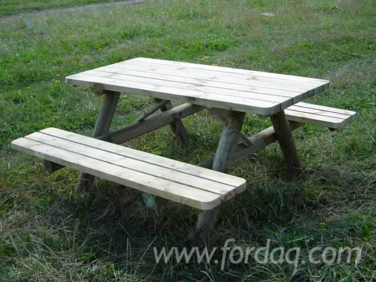 Table-with-fixed-benches-%22type