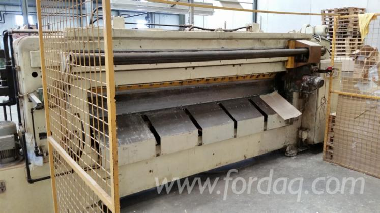 RUCKLE-AFS-28H-LA-GUILLOTINE-WITH-ROLLER-GLUEING