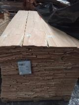 Sliced Veneer - Red oak veneer