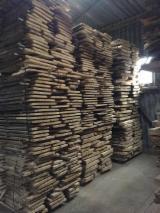 Laubholz  Blockware, Unbesäumtes Holz - Loseware, Esche