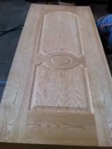 Composite Wood Products - Red oak veneered HDF moulded door skin