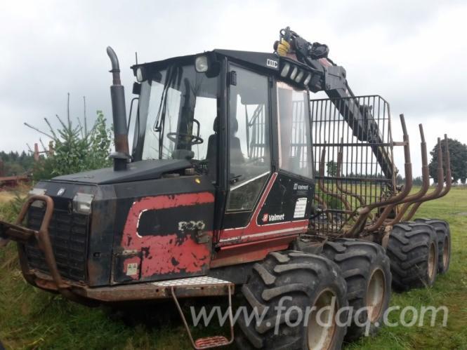 Used-Valmet---Ca--22000-H-820-1999-Forwarder
