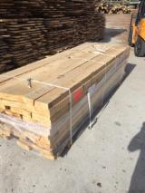Laubholz  Blockware, Unbesäumtes Holz Zu Verkaufen Polen - Loseware, Buche