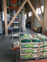 拉托维亚 - Fordaq 在线 市場 - 木颗粒-木砖-木炭 木颗粒 杉
