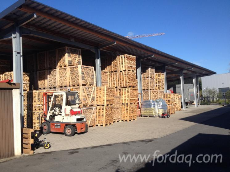 Search-firewood-in-1RM-and-2-RM-crates-dry-%21%21-Beech-birch-or