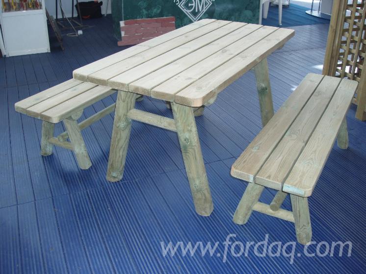 Pine-Garden-Tables