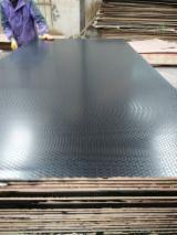 Plywood - Antiskid Black film faced marine plywood