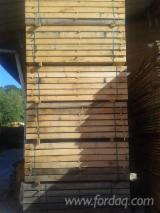 Hardwood - Square-Edged Sawn Timber - Lumber  - Fordaq Online market - Oak  Railway Sleepers F 1 Spain