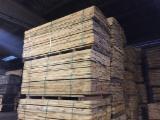 Laubschnittholz, Besäumtes Holz, Hobelware  Zu Verkaufen - Eiche 27x240 mm QF5 KD