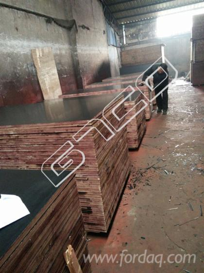 1220X2440X18mm-Black-film-faced-construction-marine-plywood--Exterior-grade-plywood--shuttering