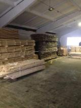 Sawn Timber for sale. Wholesale Sawn Timber exporters - Oak  Planks (boards)  F 1 from Ukraine