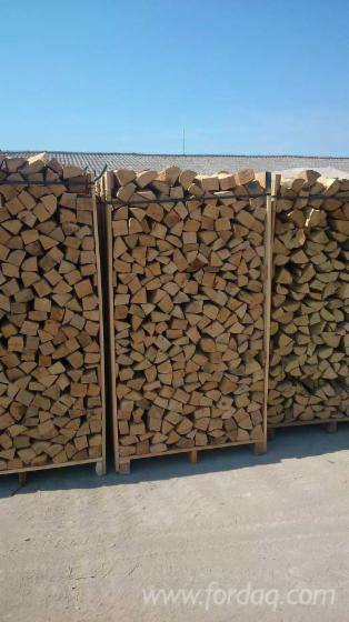 Wholesale beech firewood woodlogs cleaved poland