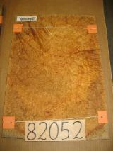 Furnierhandel - Laub Und Tropenholzfurnier - Padouk , Rundschälfurnier, Knollenmaserung