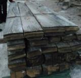 Madera Dura  Troncos Aserrados Y Reconstruidos - Tablones Adosados - Rollizos Aserrados En Venta - Venta Tablones Canteados En Un Lado Roble 60-160 mm Holanda
