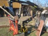 Forstmaschinen Rückeanhänger - Holzkran