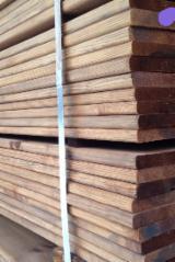 Finden Sie Holzlieferanten auf Fordaq - STATUS - Kiefer  - Föhre, Belag (4 Abgestumpfte Kanten)