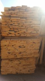 Softwood  Sawn Timber - Lumber - 25-50 mm Fresh Sawn Fir/Spruce Planks (boards)  from Romania