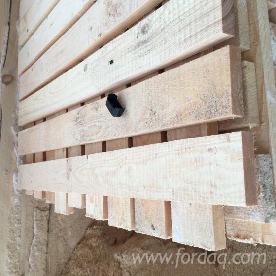 Edged-pine-board