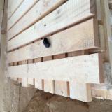 Nadelschnittholz, Besäumtes Holz Zu Verkaufen - Kiefer  - Rotholz