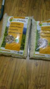 Wood Pellets - Spruce  - Whitewood Wood Pellets