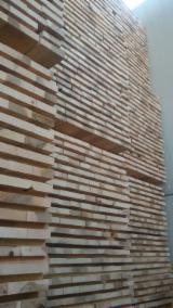 Laubschnittholz, Besäumtes Holz, Hobelware  Zu Verkaufen Italien - Bretter, Dielen, Esche