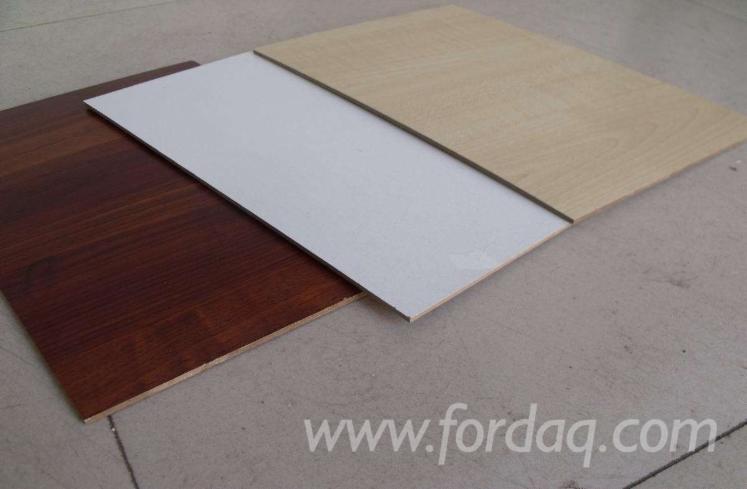 Melamine laminated plywood board