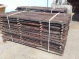 Drewno Liściaste Tarcica – Drewno Budowlane – Tarcica Strugana Na Sprzedaż - Tarcica Obrzynana, Orzech Czarny