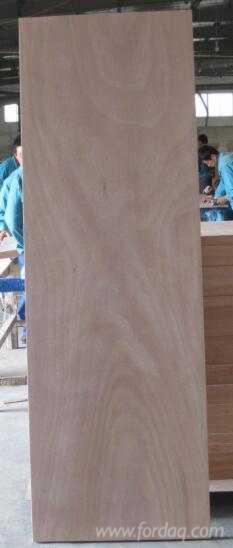 Vend Contreplaqué Naturel Okoumé 2.5; 2.7; 3.0; 3.2; 3.6; 4.0 mm Chine
