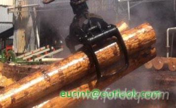 Log-grab-machine-wood-loger